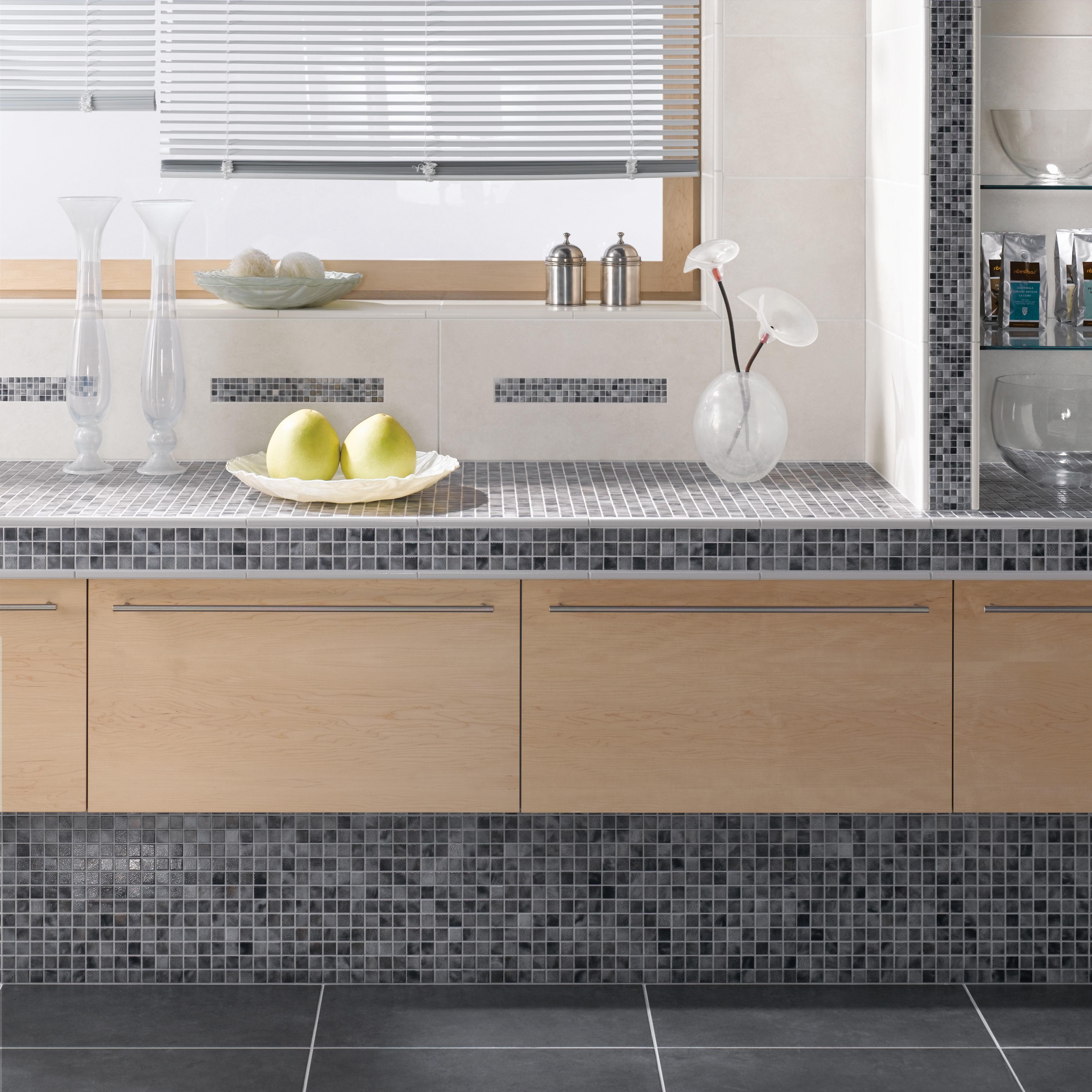Robustes Fliesenmosaik für den Küchenalltag